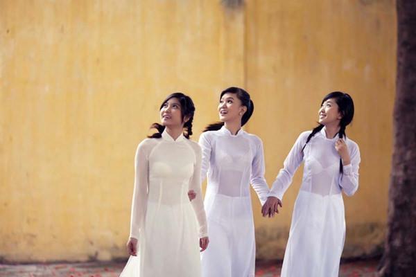 アオザイ姿のベトナム美女 5