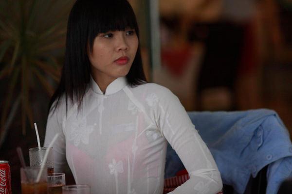 アオザイ姿のベトナム美女 9