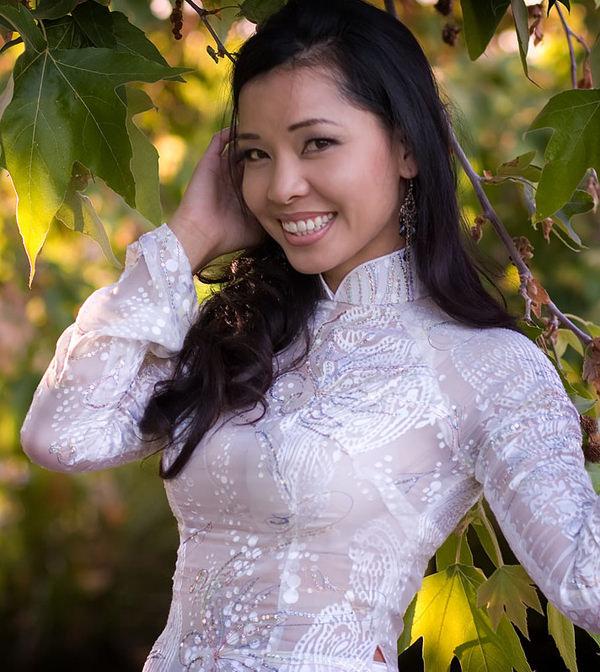 アオザイ姿のベトナム美女 28