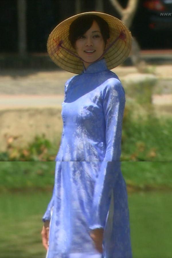 アオザイ姿のベトナム美女 34