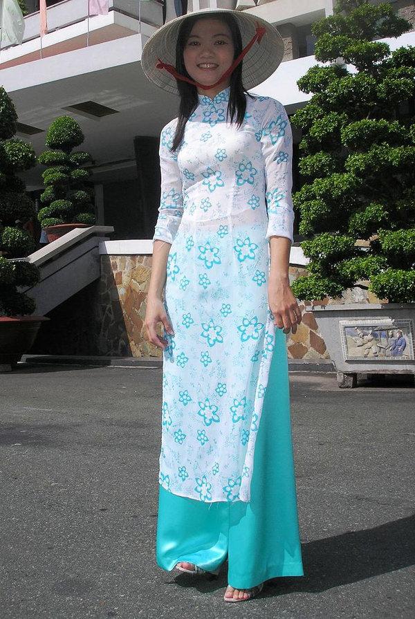 アオザイ姿のベトナム美女 35