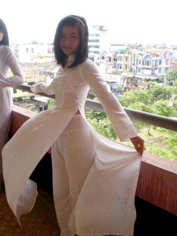 アオザイ姿のベトナム美女 43