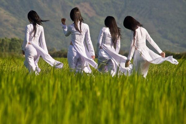 アオザイのベトナム美女 48