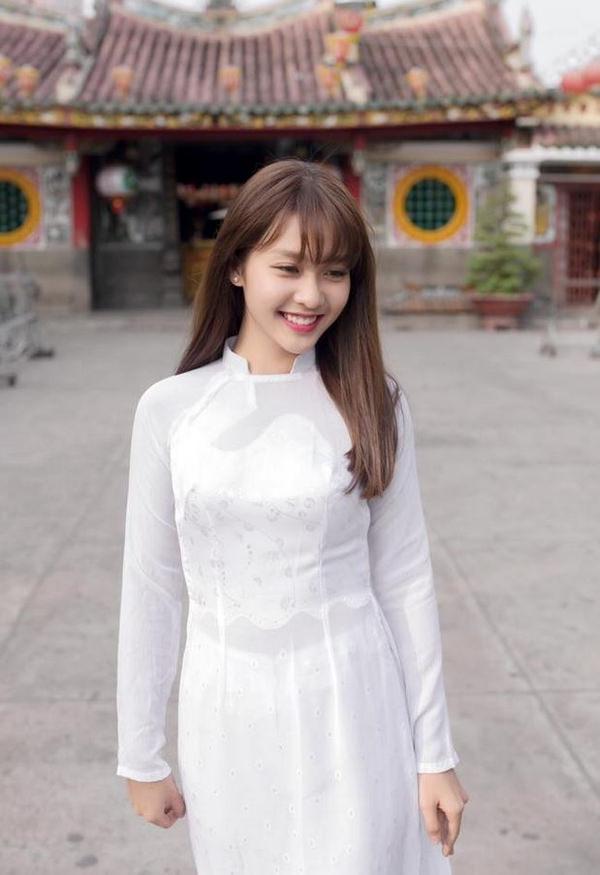 アオザイのベトナム美女 54