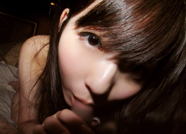 童顔の女の子のフェラ顔 5