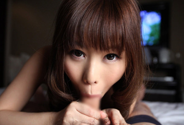 童顔の女の子のフェラ顔 12