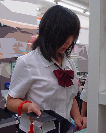 制服姿のJKの着衣巨乳 4