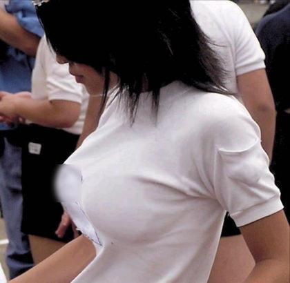 制服姿のJKの着衣巨乳 16