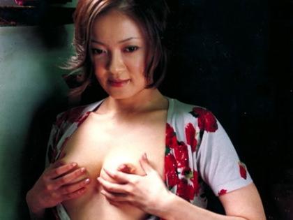 【 衝 撃 】 フ ツ ー に T V 出 て る の に 実 は 乳 首 公 開 し て る 女 優 た ち wwwwwwwwwww(32枚)