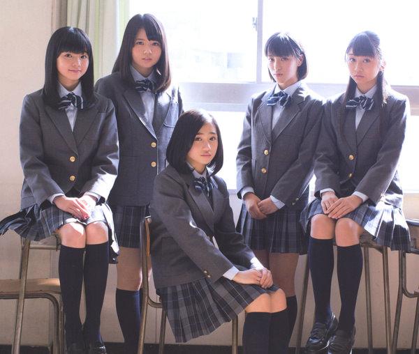透明感のある制服美少女 6