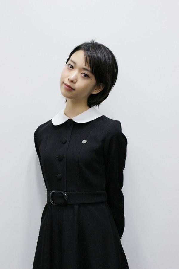 透明感のある制服美少女 9