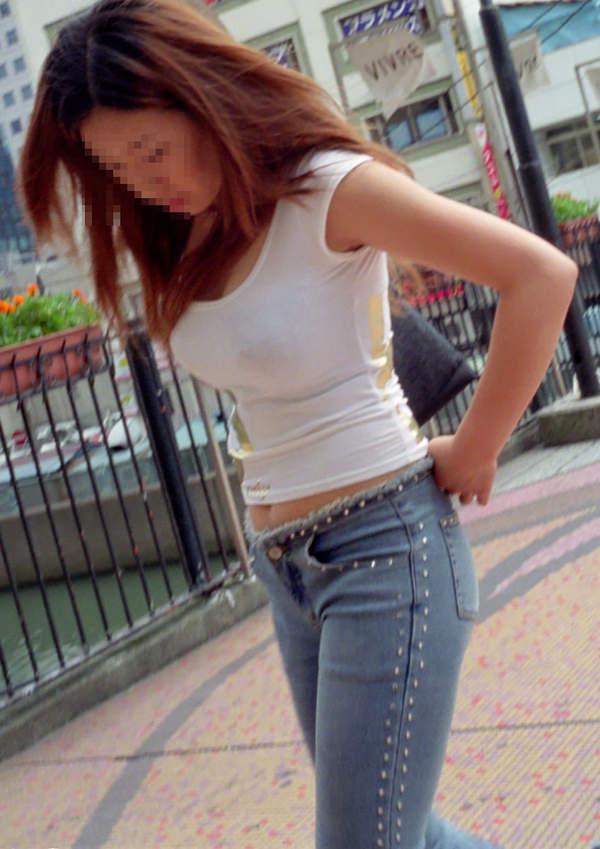 街撮りした素人の着衣巨乳 9