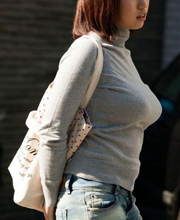 街撮りの素人の着衣巨乳 39