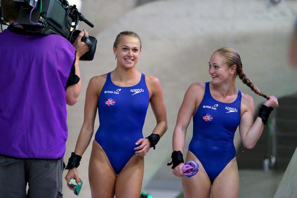 外国人女性アスリートの競泳水着姿 7