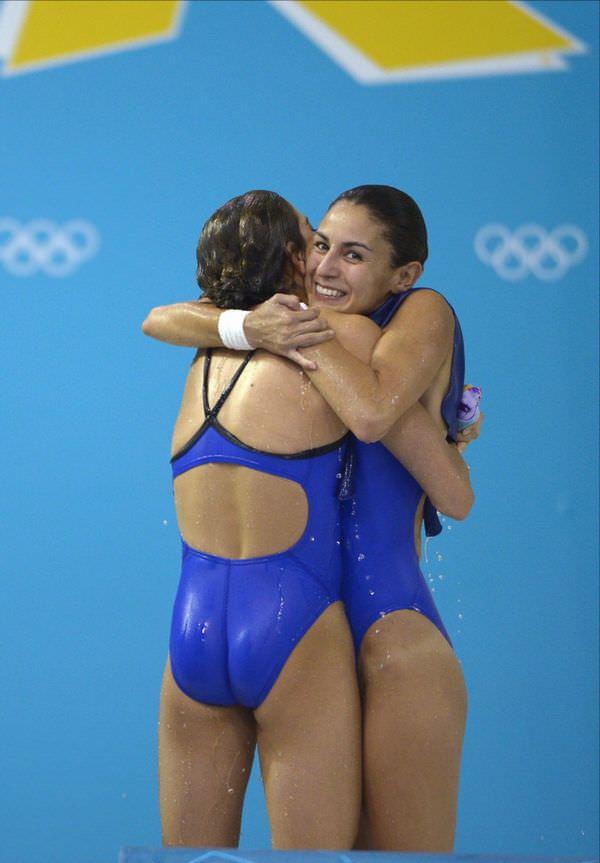 外国人女性アスリートの競泳水着姿 13