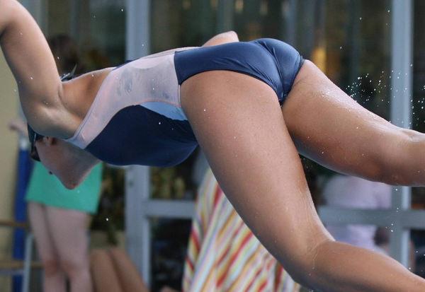 外国人女性アスリートの競泳水着姿 17
