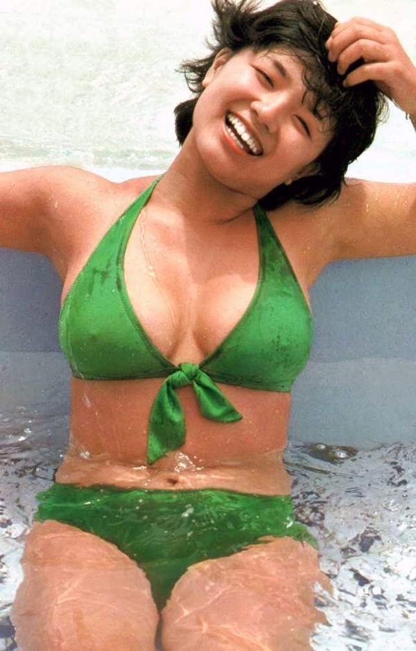 昭和アイドルの水着 3 榊原郁恵