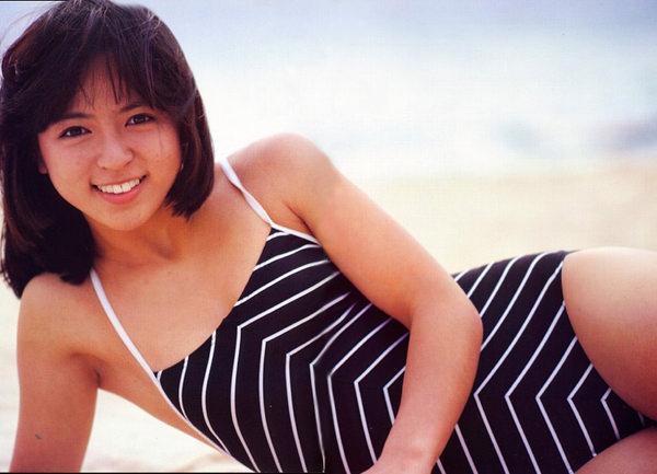 昭和時代のアイドルの水着 9