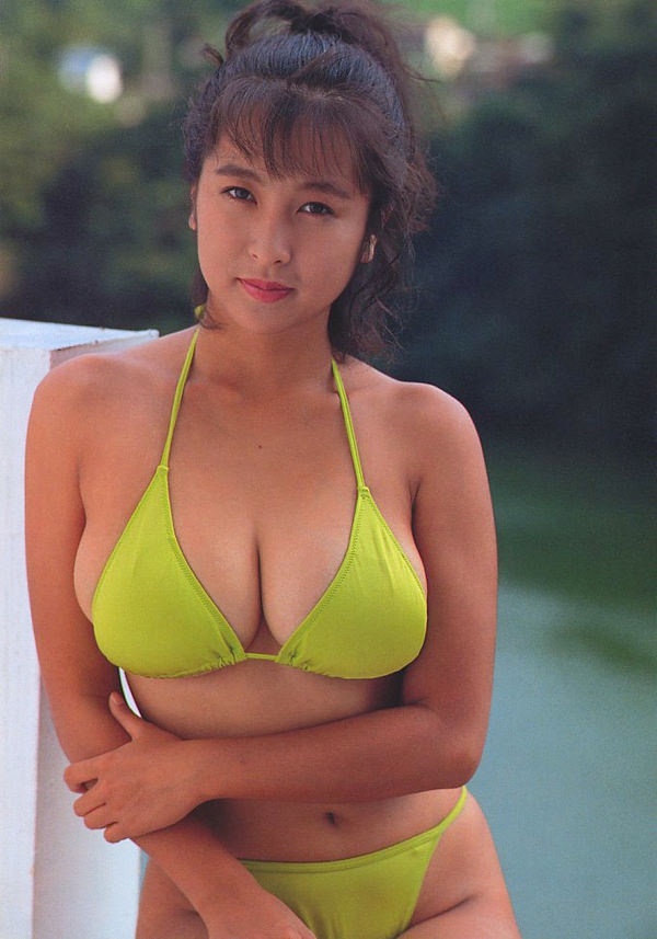 昭和時代のアイドルの水着 11