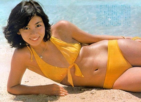 昭和時代のアイドルの水着 21