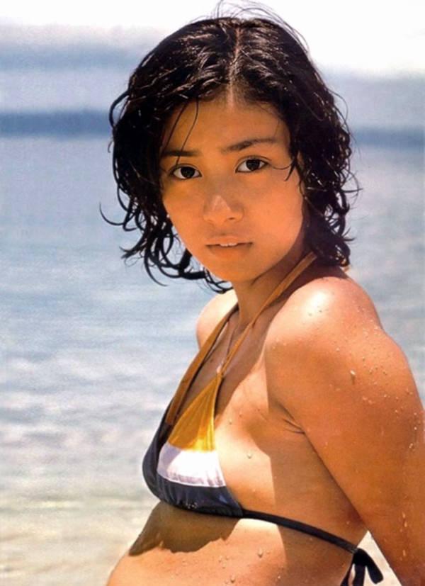 昭和時代のアイドルの水着 23
