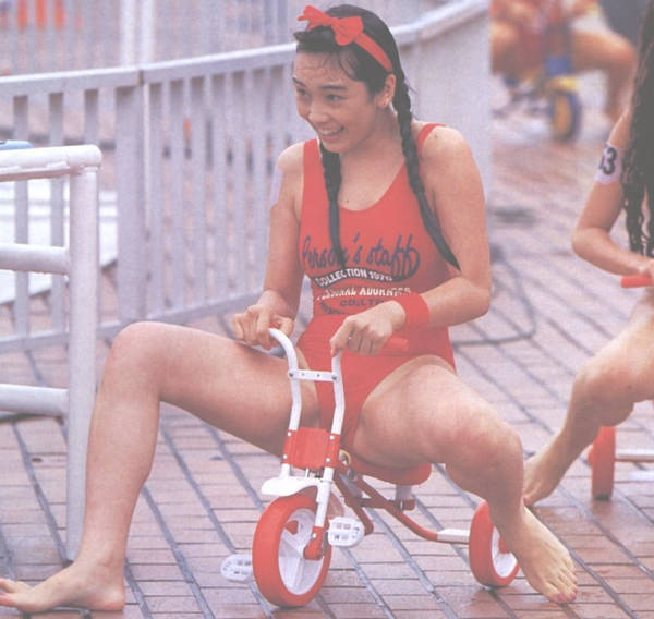 昭和時代のアイドルの水着 24