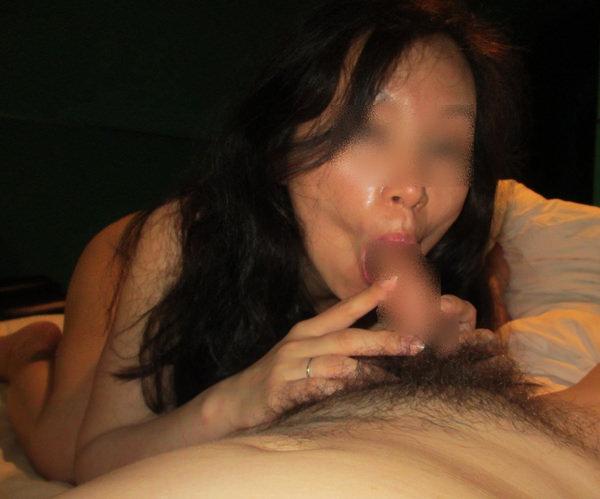 素人熟女のフェラ 25