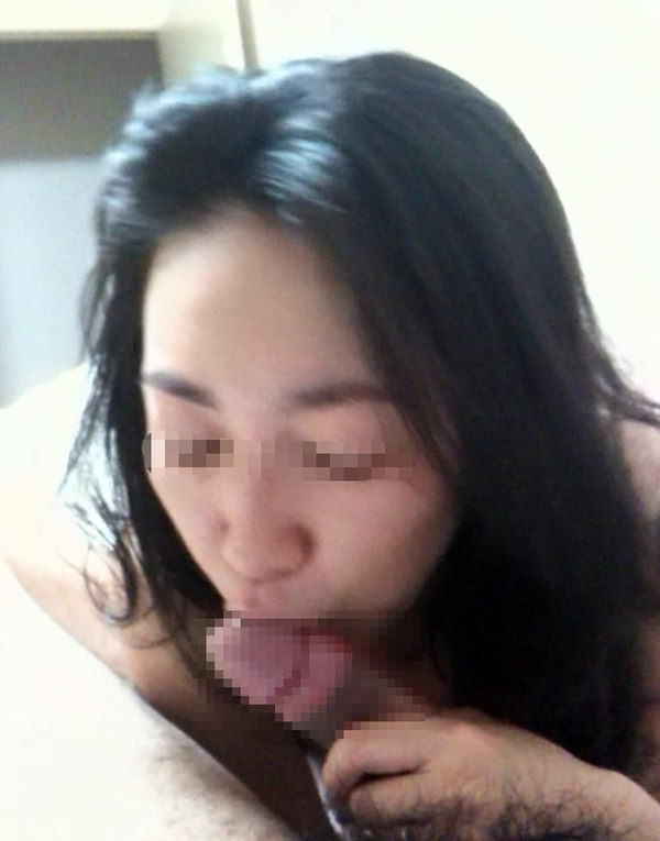 素人熟女のフェラ 29