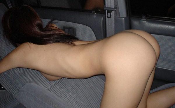 素人の車内ヌード 23