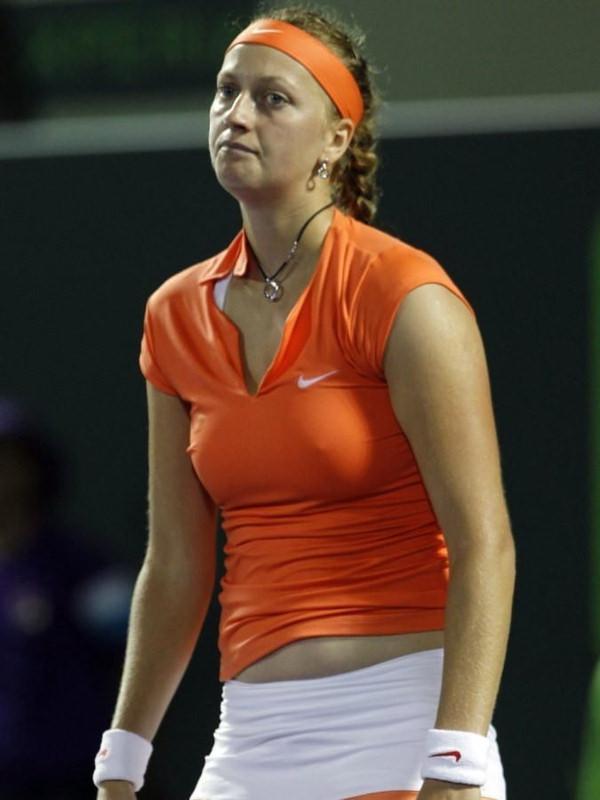 ノーブラで乳首ポッチの海外女子テニスプレイヤー 16