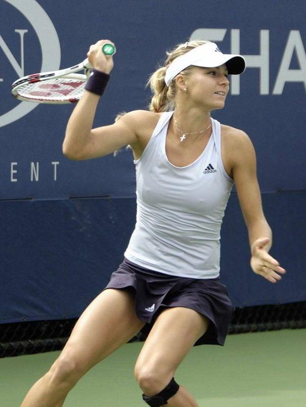 ノーブラで乳首ポッチの海外女子テニスプレイヤー 20