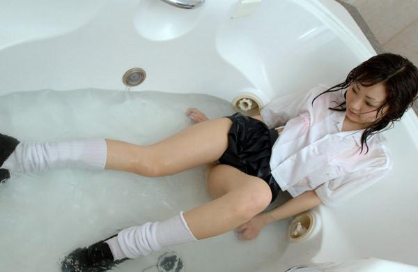 着衣のままでズブ濡れ 7