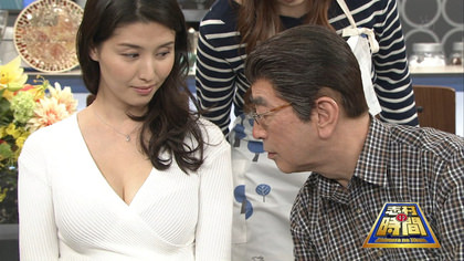 【画像】橋本マナミがGカップ胸の谷間を露出すると志村が発情するwww