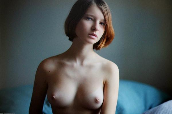 外国人美女の陥没乳首 23