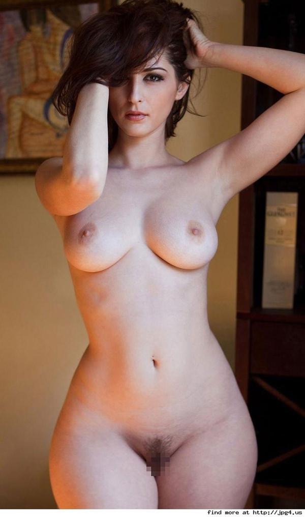 くぶれが素晴らしい外国人美女 22
