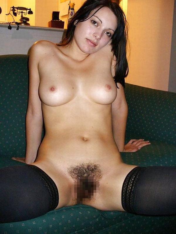 外国人女性の未処理でボーボーなマン毛 21