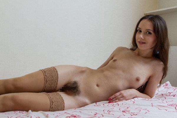 外国人女性の未処理でボーボーなマン毛 28