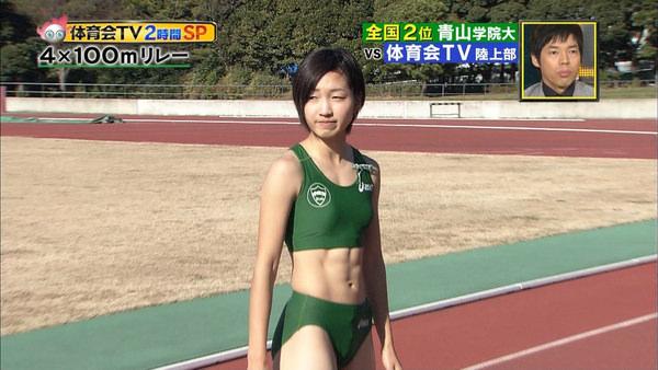 腹筋が美しい女子陸上選手 16