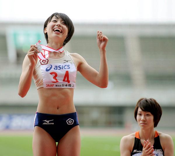 腹筋が美しい女子陸上選手 19