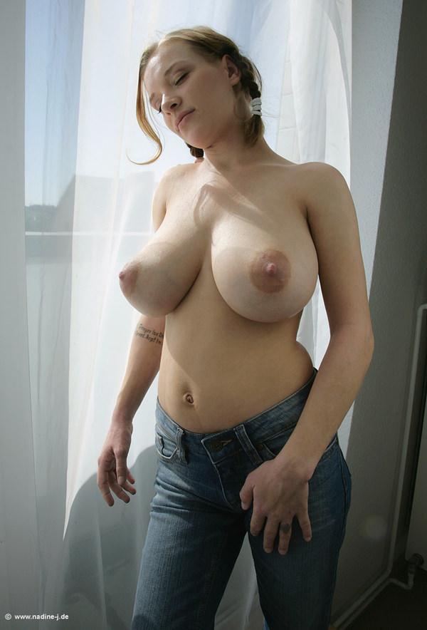 外国人美女のエロすぎる乳房のおっぱい banana tits 15