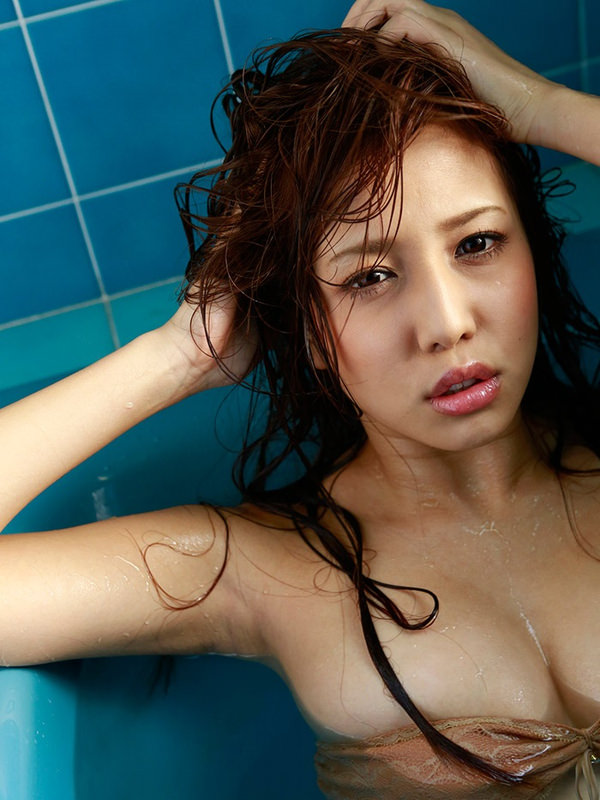 セクシーな濡れ髪 15