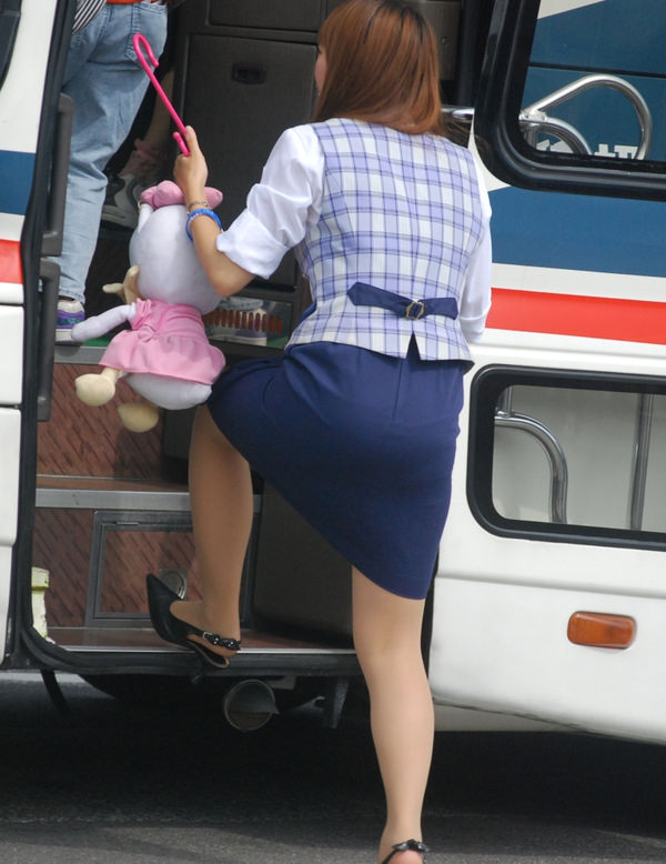 本物のバスガイドさん 34