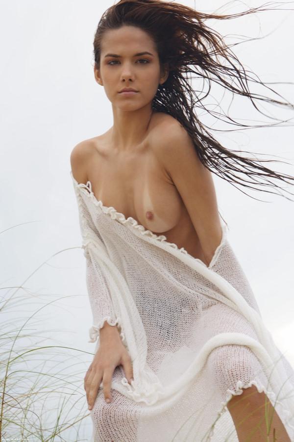 外国人美女の片乳 9