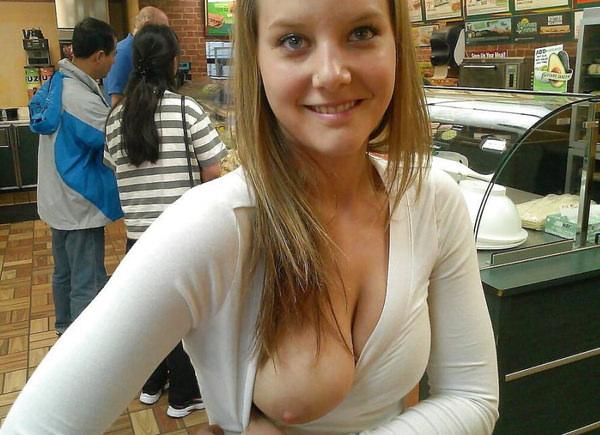 外国人美女の片乳 14