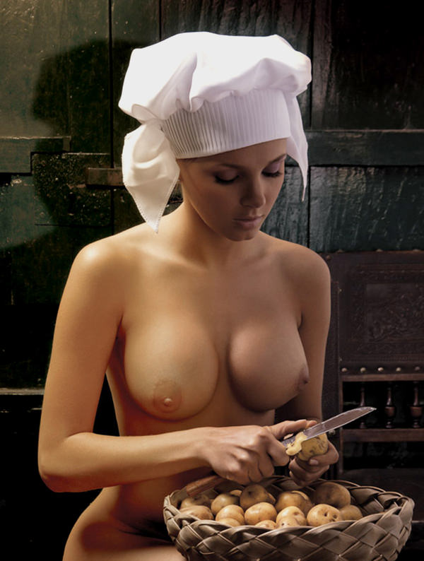 おっぱい出して料理してる外国人 25