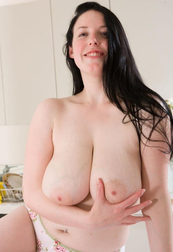 外国人の垂れ乳爆乳 3