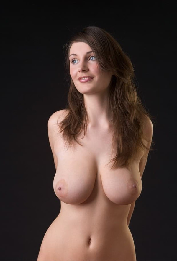 外国人の垂れ乳爆乳 12