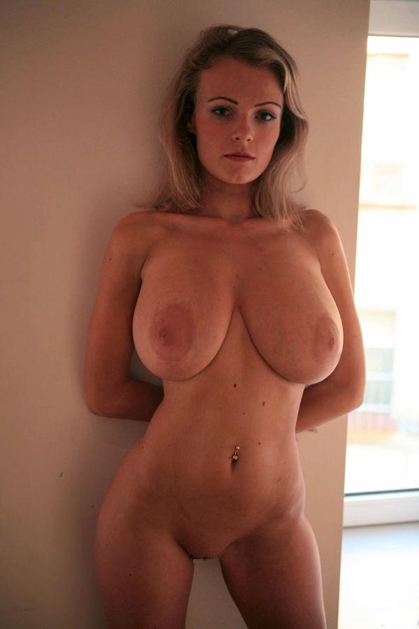 外国人の垂れ乳爆乳 33
