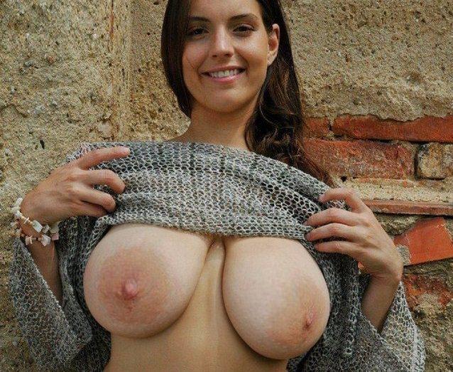外国人の天然垂れ乳