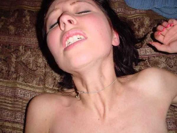 外国人素人熟女のイキ顔 15